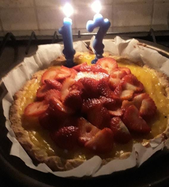 Crostata con salsa al limone